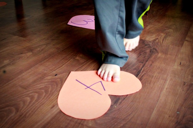 Valentine's Preschool Games - Musical Hearts Close Up