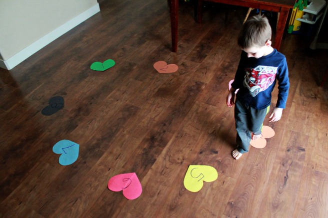 Valentine's Preschool Games - Musical Hearts